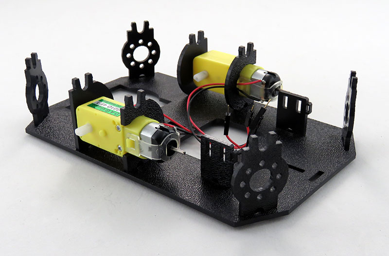 RedBot Basic Kit - montaż silników w podwoziu